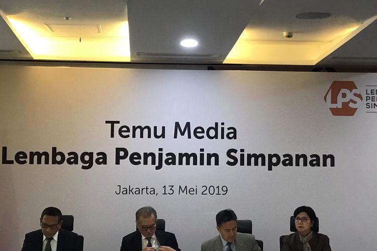 Lembaga Penjamin Simpanan saat menggelar konferensi pers di Jakarta, Senin (13/5/2019).