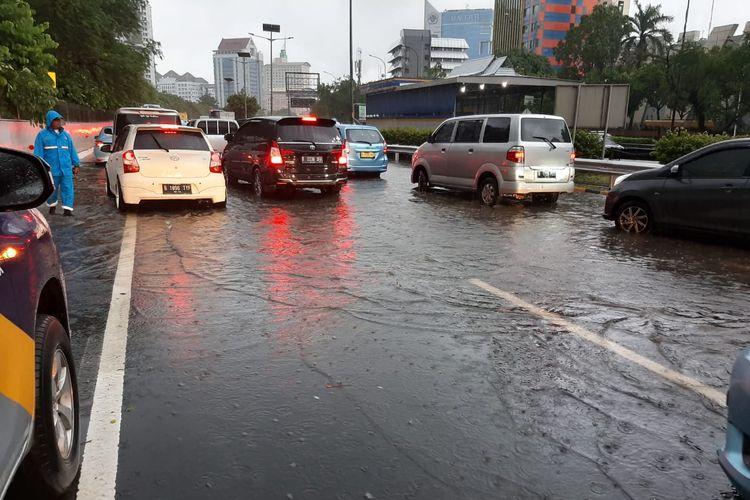 Jasa Marga tindaklanjuti titik-titik genanagan air di tol Jakarta-Cikampek