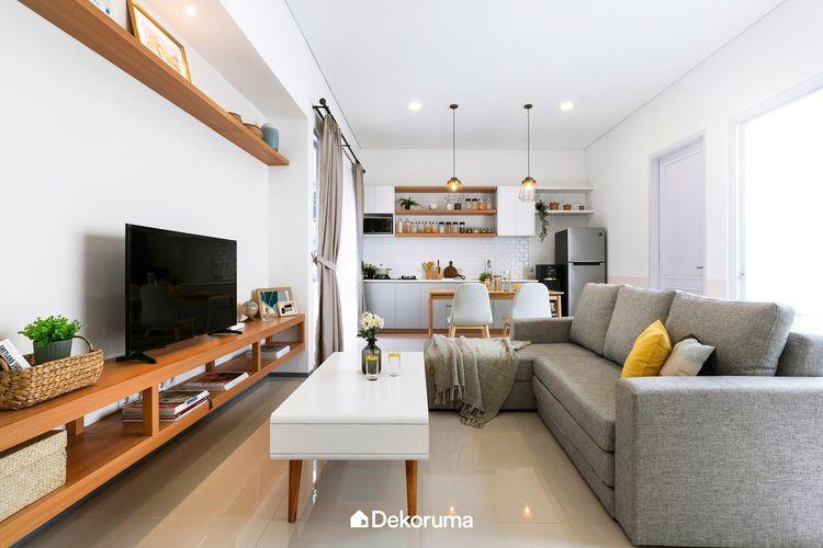 Sesuaikan tema interior dengan kebutuhan seluruh anggota keluarga. Atur sedemikian rupa sehingga setiap anggota keluarga merasa nyaman dan betah di rumah.