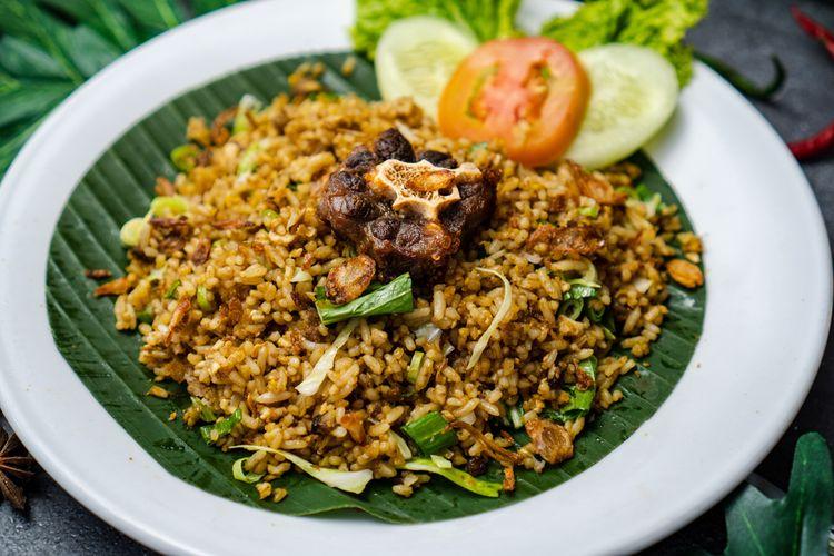 ilustrasi nasi goreng parahyangan Indonesia.