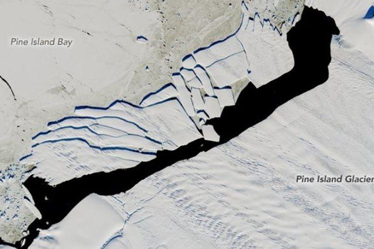 Pine Island Antartica NASA