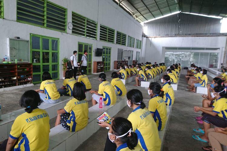 Calon Pekerja Migran Indonesia yang akan dipulangkan ke daerah masing-masing karena gagal berangkat imbas Covid-19