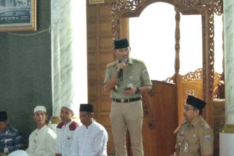 Wakil Gubernur DKI Jakarta Sandiaga Uno di Masjid Al-Makmuriyah, Pulau Pramuka, Kepulauan Seribu, Selasa (5/6/2018).