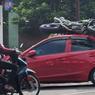 Akibat Ngebut, CBR250RR Tabrak Brio Mencelat ke Atap Mobil