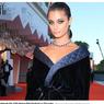 Bintang Victoria's Secret Taylor Hill Pakai
