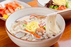 Bukan Ramyeon, Ini 6 Olahan Mie Tradisional Korea yang Wajib Dicicipi