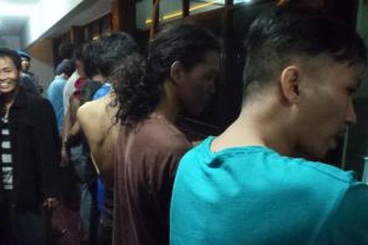 Sebelas mahasiswa Universitas Kristen Indonesia (UKI) Salemba, Jakarta Pusat, ditangkap karena diduga terlibat penyerangan terhadap petugas keamanan Rumah Sakit Cipto Mangunkusumo, Rabu (7/8/2013) malam.