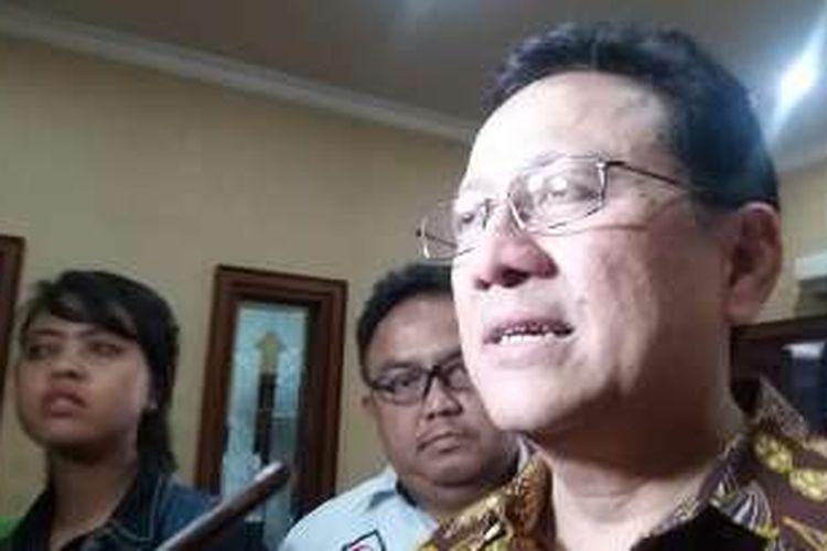 Ketua Dewan Perwakilan Daerah Irman Gusman di Kantor Kementerian Pendayagunaan Aparatur Negara dan Reformasi Birokrasi, Senayan, Jakarta Selatan, Rabu (20/4/2106)