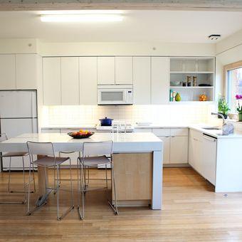 Ilustrasi dapur, lemari dapur.