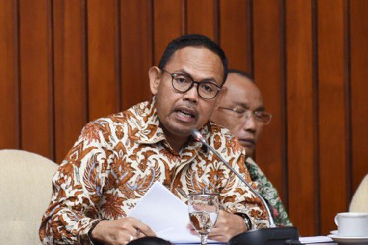 Anggota Komisi IV DPR RI, Andi Akmal Pasluddin mengkritisi penanganan Covid-19.