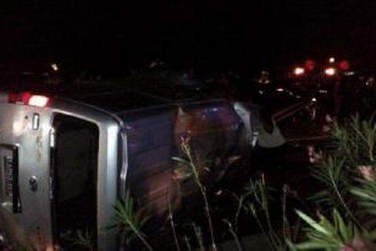 Kecelakaan yang terjadi di Tol Jagorawi Km 8 hingga menewaskan 6 korban, Minggu (8/9/2013) sekitar pukul 01.45 WIB melibatkan anak musisi Ahmad Dhani, Ahmad Abdul Qodir Jaelani alias Dul.