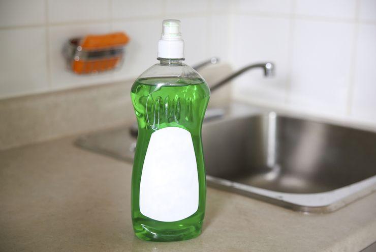 5 Hal yang Tidak Boleh Dibersihkan dengan Sabun Cuci Piring