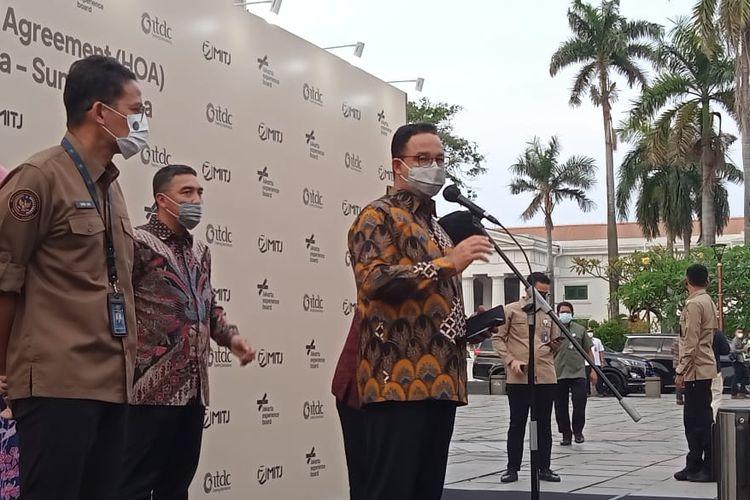 Gubernur DKI Jakarta Anies Baswedan dalam acara Head of Agreement pengelolaan Kawasan Kota Tua-Sunda Kelapa di Taman Fatahillah, Rabu (28/4/2021).