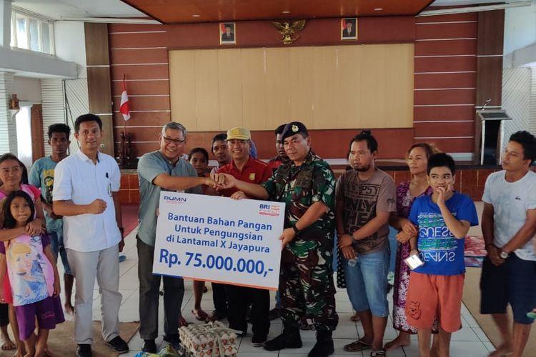 PT Bank Rakyat Indonesia (Persero) Tbk menyalurkan bantuan CSR sembako senilai Rp 75 juta kepada korban terdampak kerusuhan di Jayapura, Papua, Senin (2/9/2019).