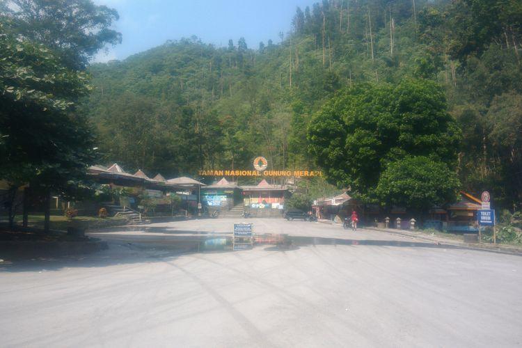 Kawasan wisata Telaga Putri, Kaliurang, Sleman, ditutup sementara menyusul letusan freatik Gunung Merapi pada Jumat (11/5/2018) pagi.
