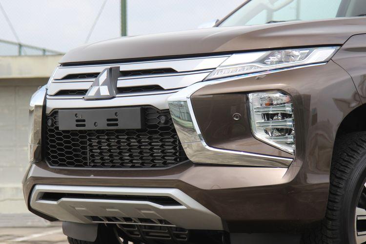 Kompas.com mendapat kesempatan melihat lebih dekat ubahan pada Mitsubishi Pajero Sport Dakar Ultimate 4x2 terbaru. SUV ini mendapat pembaruan di sisi eksterior dan interior