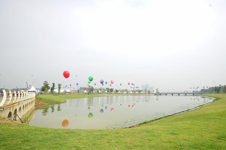 Taman publik yang dibangun di kawasan hunian Meikarta, Cikarang