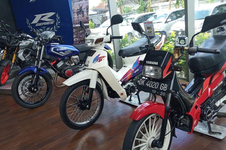Yamaha F1Z warna putih hasil restorasi