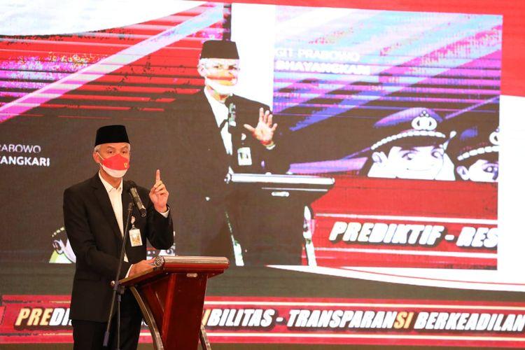 Gubernur Jawa Tengah Ganjar Pranowo saat peresmian program Aku Sedulurmu di Hotel Patrajasa, Senin (16/8/2021)