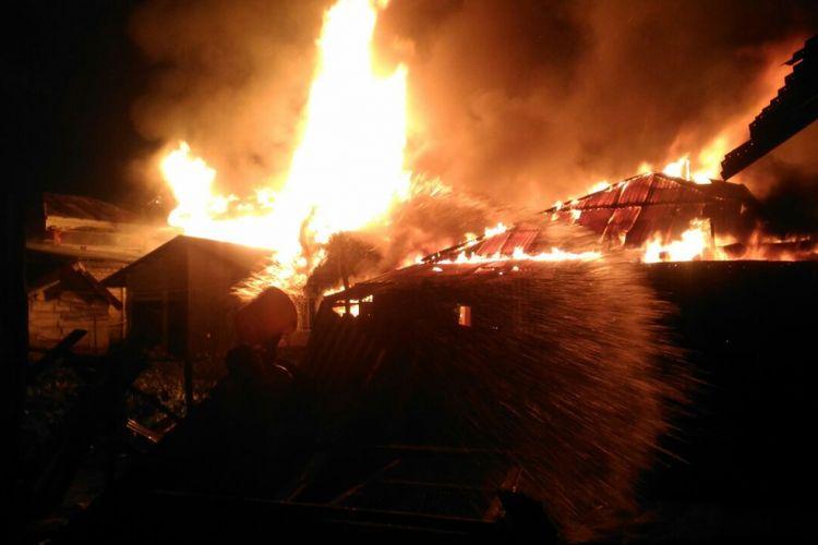 Kabakaran hebat yang terjadi di Karimun, sedikitnya ada 30 Kepala Keluarga (KK) dan 116 jiwa kehilangan tempat tinggalnya.