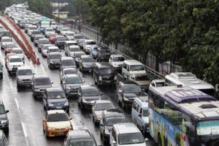 Kondisi jalanan Jakarta saat hujan