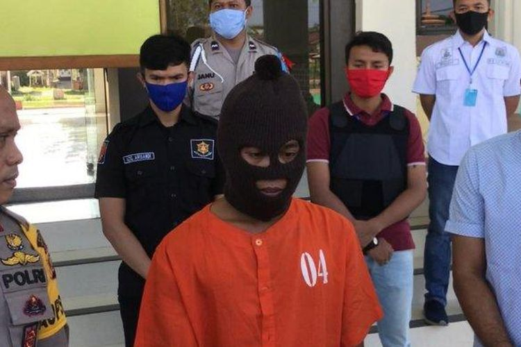 Polres Tanjab Barat ungkap kasus misteri pembunuhan di Pematang Lumut, Kamis (7/5) di Polres Tanjabbar. (Tribun Jambi/Samsul Bahri)