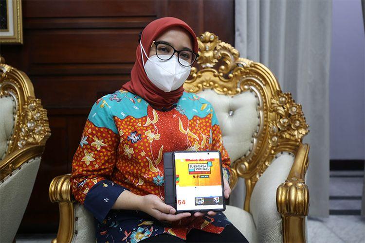 Ketua Dewan Kerajinan Nasional Daerah (Dekranasda) Kota Surabaya Rini Indriyani Eri Cahyadi mengajak warga dan semua pihak untuk bersama-sama mengikuti serta berbelanja produk-produk UMKM.