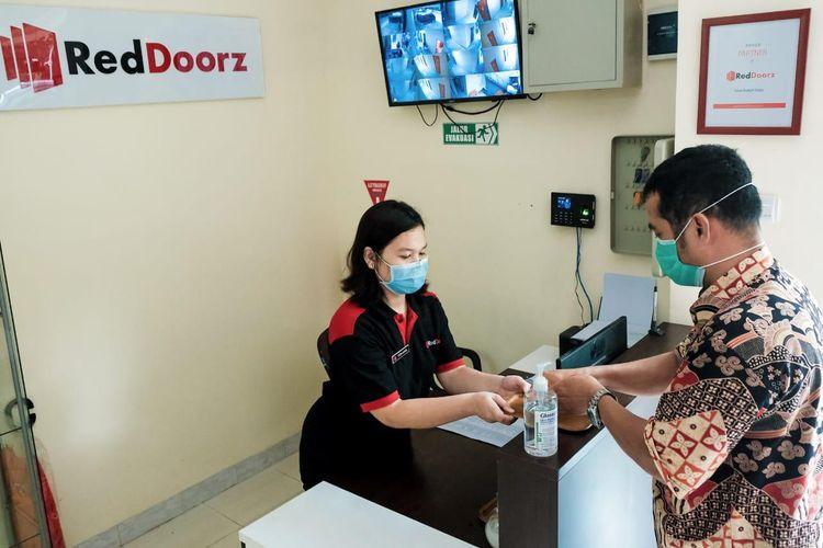 Hand sanitizer di lobi RedDorz.