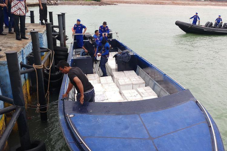 Benih Lobster asal pantai selatan, Jawa Barat yang hendak diselundupkan ke Singapura berhasil digagalkan Direktorat Polisi Air dan Udara (Ditpolairud) Polda Kepri, Jumat (8/11/2019).