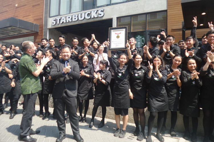 Starbucks Indonesia memecahkan rekor Museum Rekor Indonesia (MURI) untuk Penyelenggaraan Coffee Brewing Master Class 24 Jam Tanpa Henti, Selasa (1/10/2019).