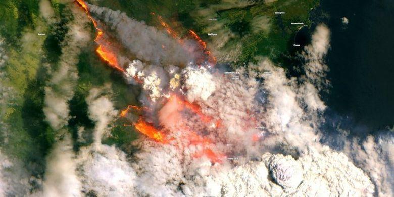 Citra satelit juga menangkap asap pekat yang mengepul hasil dari kebakaran di Austrlia, Selasa (31/12/2019) .
