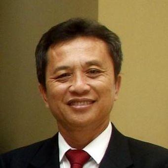 Johanes Eka Priyatma, M.Sc., Ph.D. adalah anggota Pusat Kajian Pendidikan Tinggi Indonesia Asosiasi Perguruan Tinggi Katolik (APTIK) dan Rektor Universitas Sanata Dharma Yogyakarta