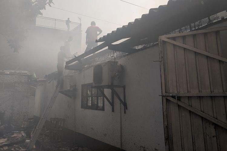 Kebakaran di Pabrik Sepatu, Jalan Bandengan Utara, Penjaringan, Jakarta Utara, Rabu (4/9/2019)