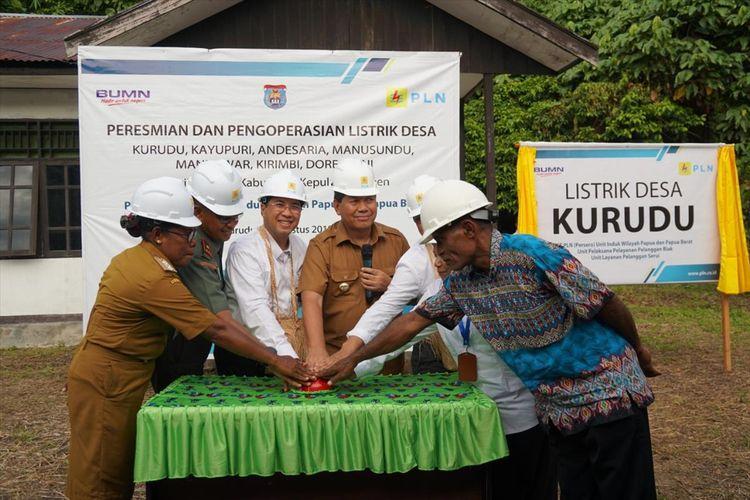 PLN meresmikan 8 desa baru berlistrik di Kabupaten Kepulauan Yapen ,P apua menjelang HUT ke-74 Republik Indonesia, Kamis (09/08/2019)