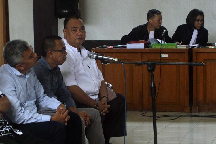 Ketua KPU Palembang Eftiyani bersama empat komisioner lainnya menjalani sidang di Pengadilan Negeri Klas 1A Palembang atas dugaan tindak pidana pemilu, Jumat (5/7/2019).