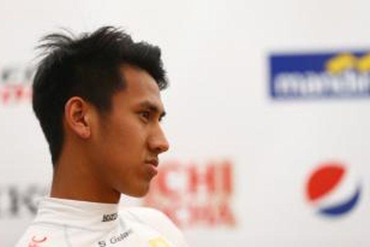 Setelah menyelesaikan aksinya di Hungaroring, 13-14 Juni 2015 lalu, pebalap muda Indonesia Sean Gelael bersama Tim Jagonya Ayam with Carlin harus mempersiapkan diri kembali menuju sirkuit Red Bull Ring, Austria.