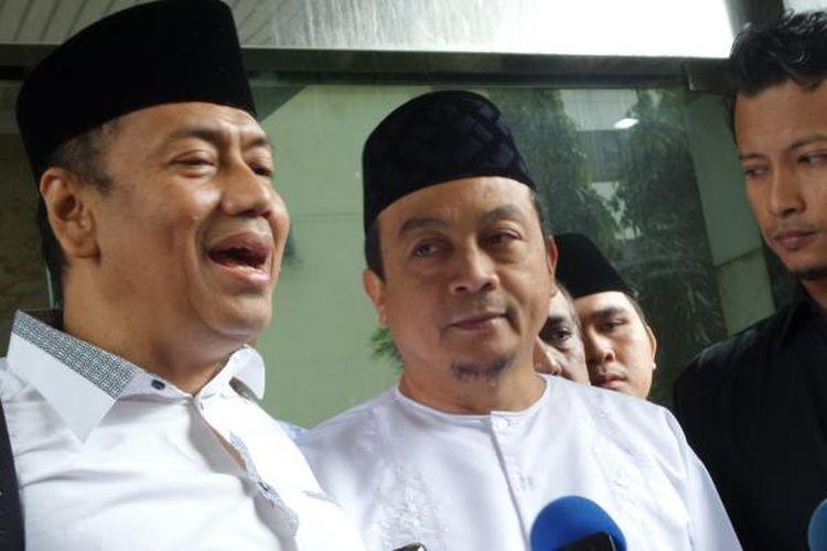 Ketua GNPF-MUI Bachtiar Nasir didampingi pengacaranya memenuhi panggilan penyidik untuk diperiksa dalam kasus dugaan pencucian uang dengan pidana asal pengalihan kekayaan yayasan di kantor Bareskrim Polri, Jakarta, Jumat (10/2/2017).