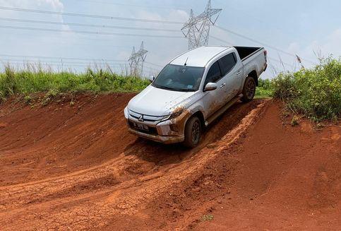 Begini Fitur Unggulan Mitsubishi Triton, Bikin Pemula Jago Off Road