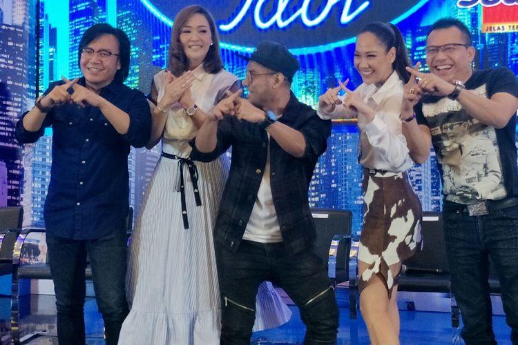 Deretan juri di Indonesian Idol X, dari kiri ke kanan berturut-turut Ari Lasso, Maia Estianty, Judika, Bunga Citra Lestari, dan Anang Hermansyah. Gambar diambil dalam jumpa pers di MNC Studios, Kebon Jeruk, Jakarta Barat, Senin (16/9/2019).