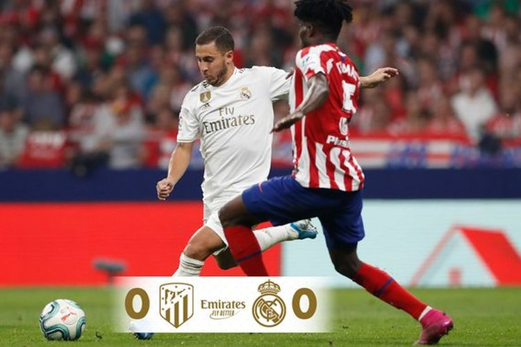 Eden Hazard dan Thomas Partey berduel pada laga derbi Atletico Madrid vs Real Madrid di Stadion Wanda Metropolitano, 28 September 2019.