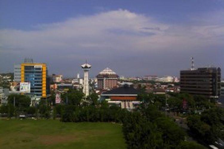 Pesatnya pembangunan properti mendorong pertumbuhan harga lahan di Semarang melambung drastis.