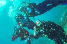HUT ke-74 RI, Upacara Bendera Digelar di Bawah Laut Teluk Maumere