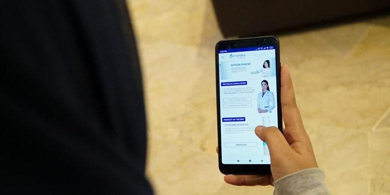 Pelanggan klinik Estetika dr.Affandi bisa berkonsultasi dengan dokter melalui aplikasi.