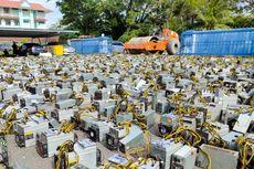 Polisi Malaysia Gilas 1.069 Mesin Penambang Bitcoin dengan Steamroller