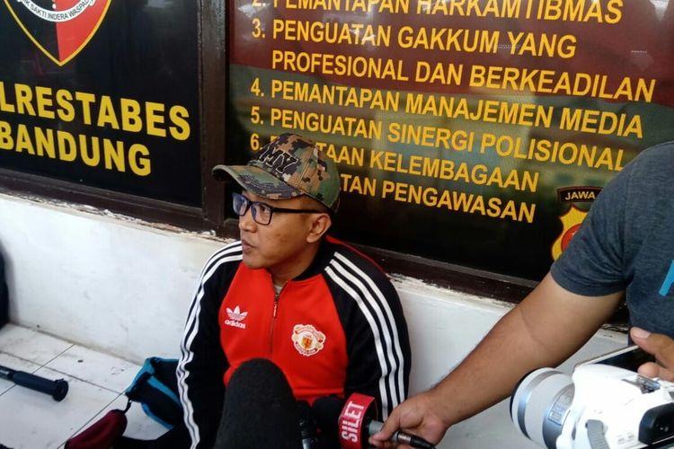 Tedi Pardiyana, suami mendiang Lina Jubaedah kembali dimintai keterangan penyidik Polrestabes Bandung.