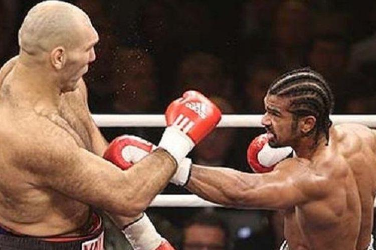 David Haye (kanan) saat mengalahkan Nikolai Valuev.