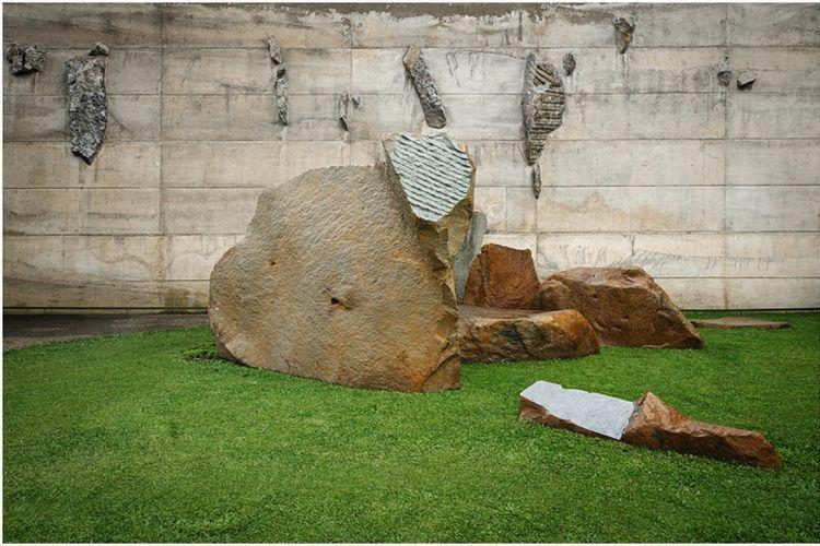 Salah satu karya seniman Sunaryo di Wot Batu Bandung, Jawa Barat