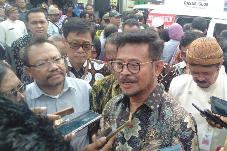 Menteri Pertanian Syahrul Yasin Limpo saat melepas Operasi Pasar bawang putih dan cabai di Pasar Gede Solo, Jawa Tengah, Kamis (13/2/2020).