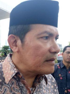 Wakil Ketua KPK Saut Situmorang usai upacara peringatan hari Pahlawan di halaman depan gedung KPK, Kuningan, Jakarta. Jumat (10/11/2017)