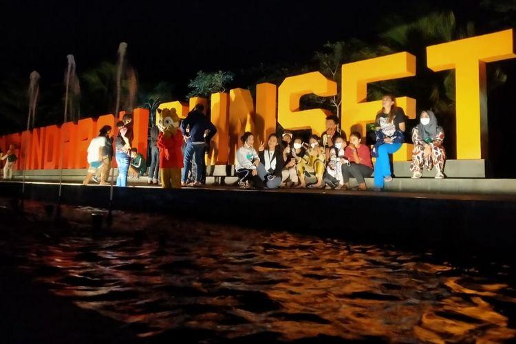 Kawasan Objek Wisata Pangandaran, Jawa Barat, dibuka untuk wisatawan saat musim Liburan Tahun Baru di masa pandemi Covid-19.